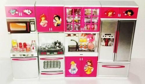 Cocina para muñecas con 50 accesorios luces y sonidos