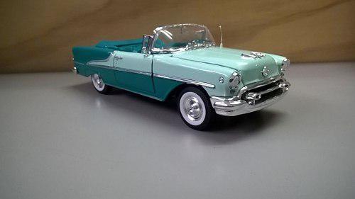 Auto clasico oldsmobile super 88 modelo 1955 escala 1'24
