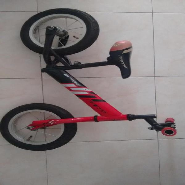 Bicicross bicicleta y equipo