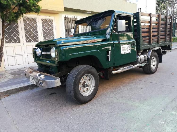 Camioneta nissan patrol estacas