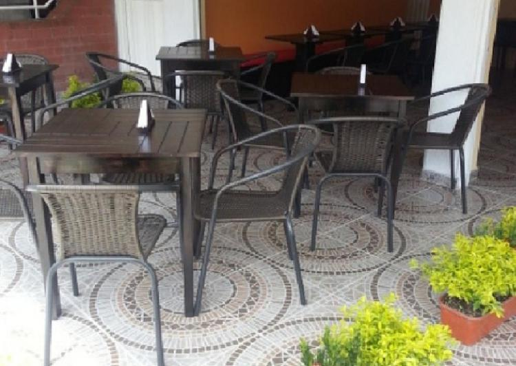 Mesas y sillas restaurante