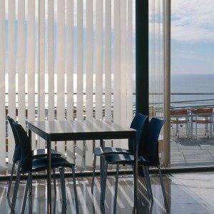 Persiana vertical oficina abierta hogar 3,55x1,60 cortina