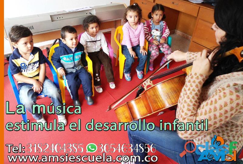APRENDA A TOCAR GUITARRA CON LOS MEJORES  Clases para todas las edades 3