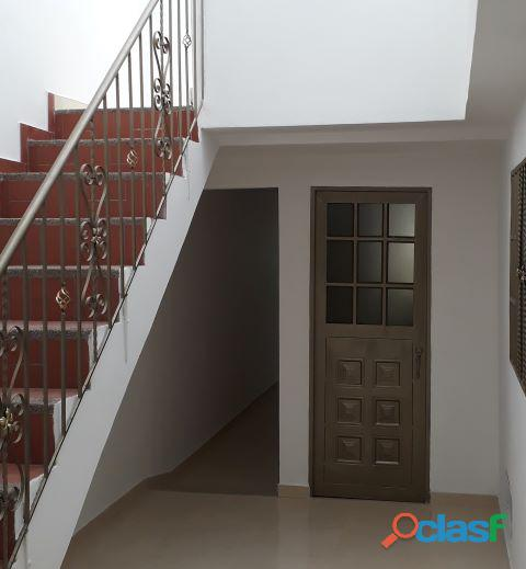 Casa rentable en bogota 5 apartamentos independientes con garaje