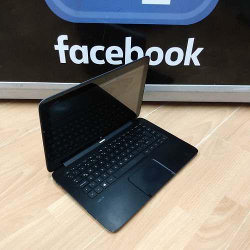 Computadora portátil 2 en uno táctil