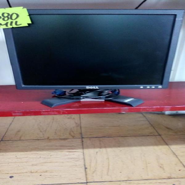 Monitor dell 17 pulgadas con cables