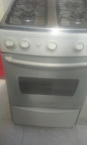 Estufa a gas con horno cuatro puestos de piso marca adba