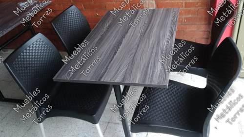Mesa y sillas restaurante