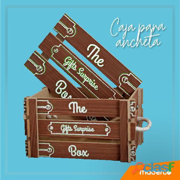 Caja para empacar ancheta navideña o empresarial hecha en madera