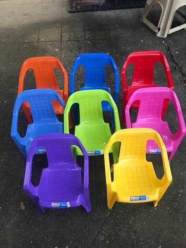 Combo de mesa + cuatro sillas marca rimax infantil