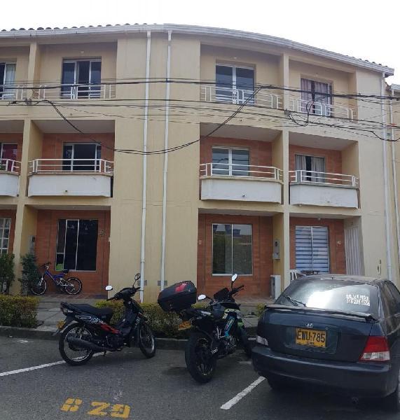 Arriendo casa en portal molinos -piedecuesta cod. 4884964