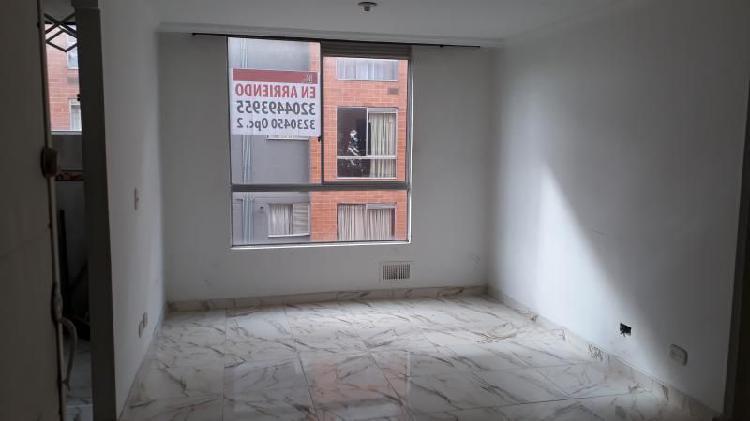 Apartamento en arriendo en bogota fontibon cod. abisa886