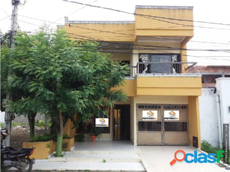 Se vende casa de dos pisos en el barrio villanueva