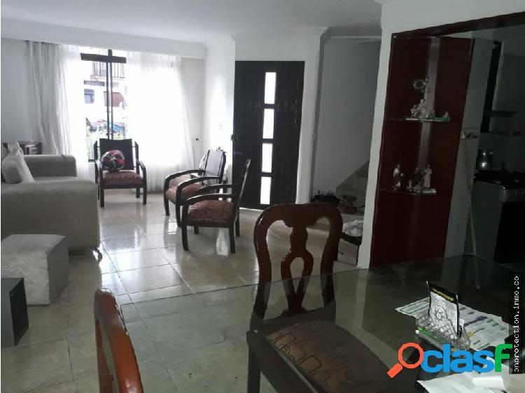 Se vende hermosa casa remodelada armenia