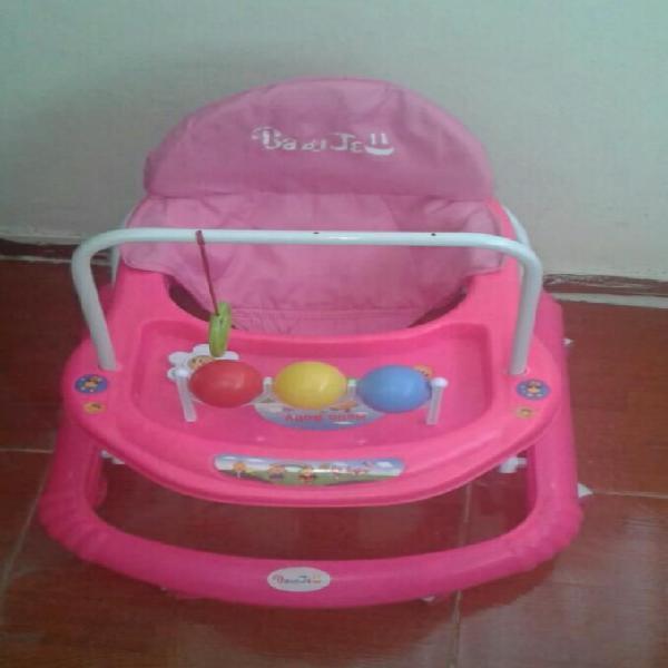 Caminador bebé niña