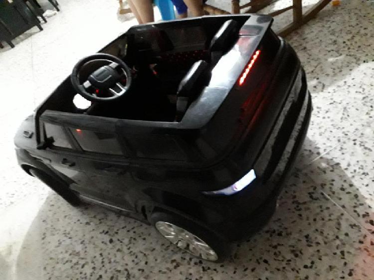 Vendo carro de niño electrico excelente
