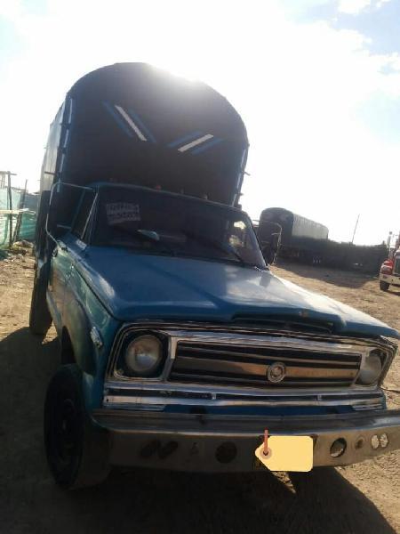Camioneta estacas willys