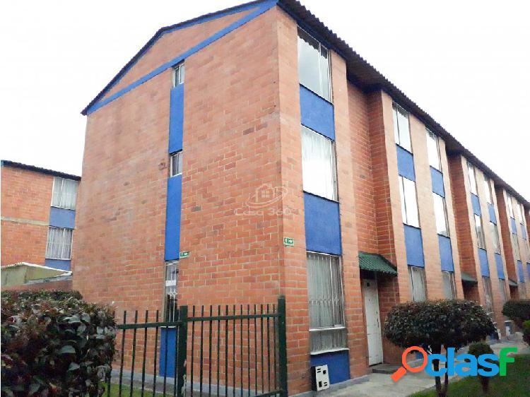 Venta casa conjunto residencial el treból mz12