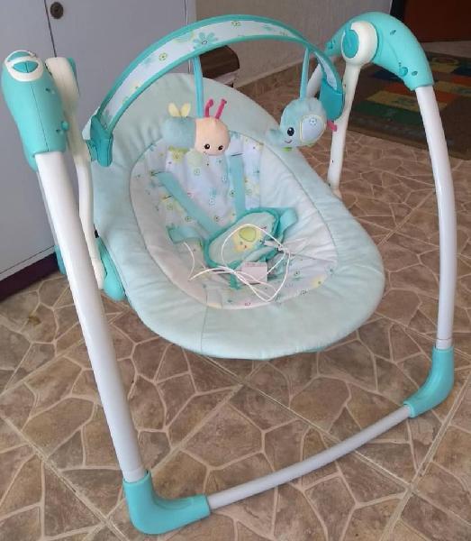 Silla mecedora musical para bebe