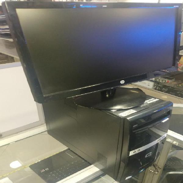Computador de escritorio de mesa