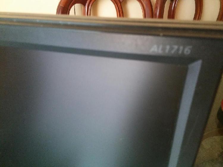 Monitor lcd acer 17 pulgadas raya pixel lo demas bien