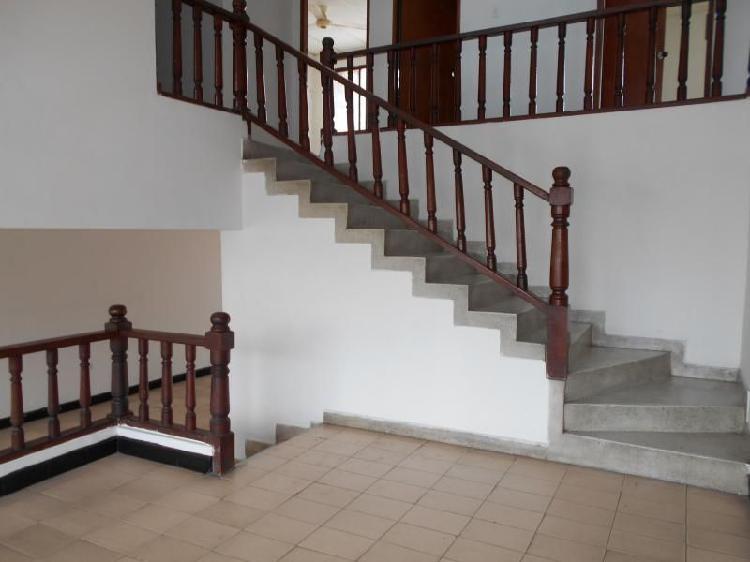 Casa en arriendo/venta en cartagena manga cod. abare81146