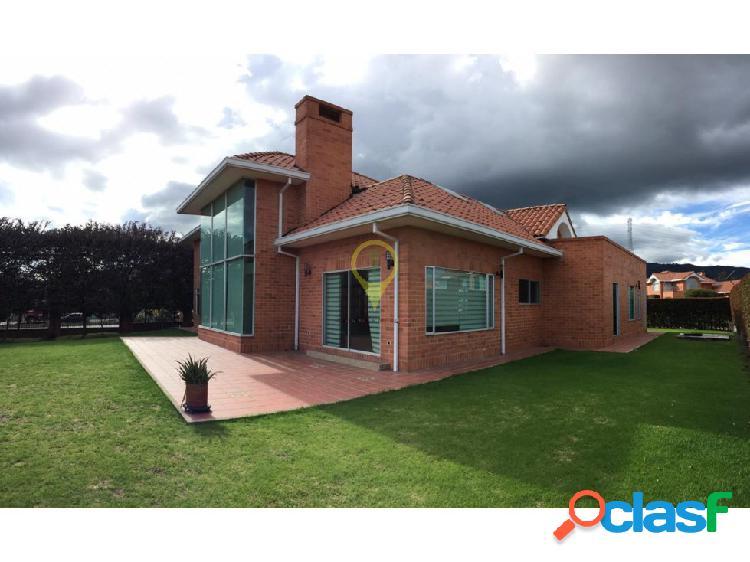 Casa arriendo hacienda terracota $ 4.800.000