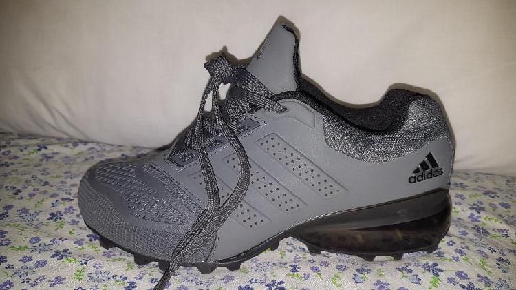 Zapatos adidas talla 7 americano