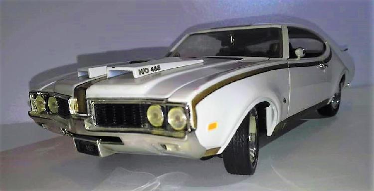 Carro de colección. diecast. oldsmobile american