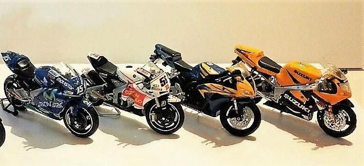 Motos en escala. lote 1 de 3: 4 motos