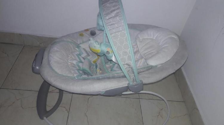 Se vende silla mesedora bebe ingenuity