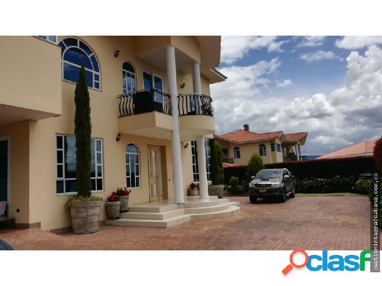 Cajica, guarigua 1130 m2 lote 470 m2 const, remod