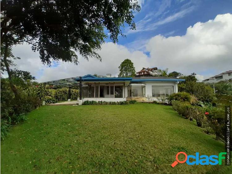 Hermosa casa campestre de un nivel en fizebad