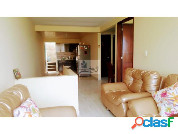 Se vende o permuta casa de 2 pisos y altillo yopal