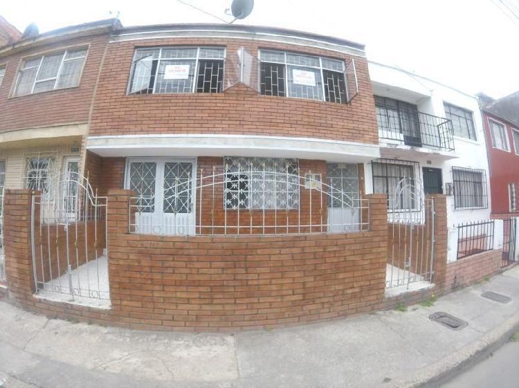 Casa en venta en bogota kennedy central cod. vbsei3680