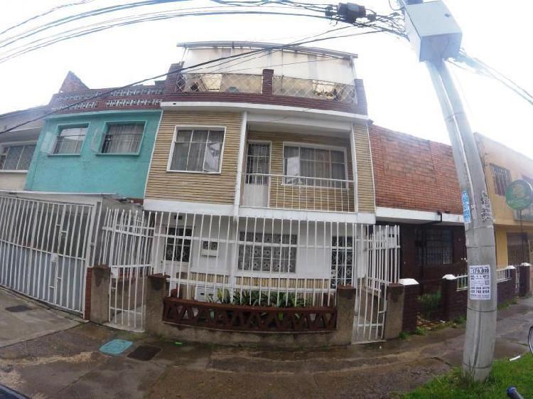 Casa en venta en bogota villa mar fontibón cod. vbsei3801