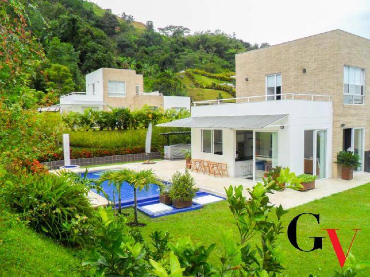 Venta espectacular casa condominio bambu - la vega -