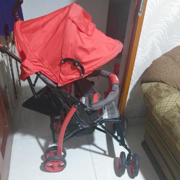 Se vende coche paseador priori rojo