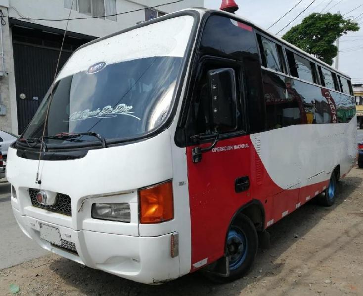 Buseta nissan tk55 modelo 2009- con trabajo