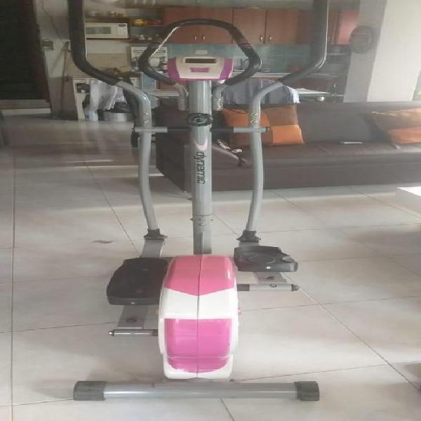 Se vende bicicleta de ejercicio como nueva