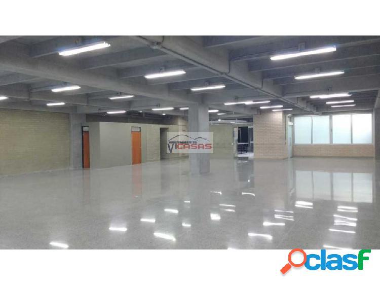 Alquilo oficinas centro empresarial 9c sur