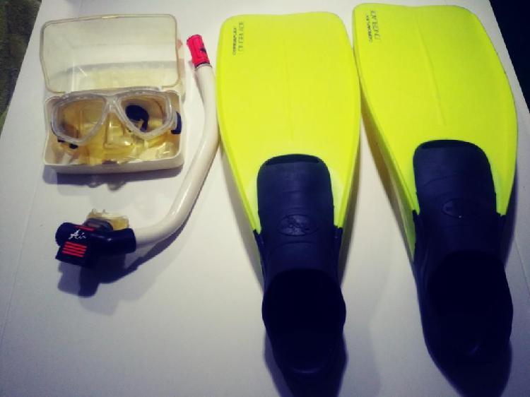 Set de careta, snorkel, aletas y bolso