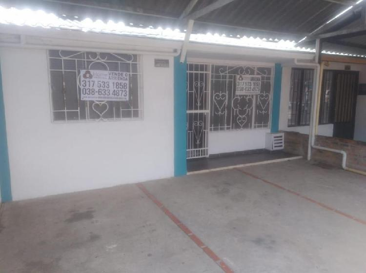 """Casa en venta ubicada en el barrio """"casimena"""""""