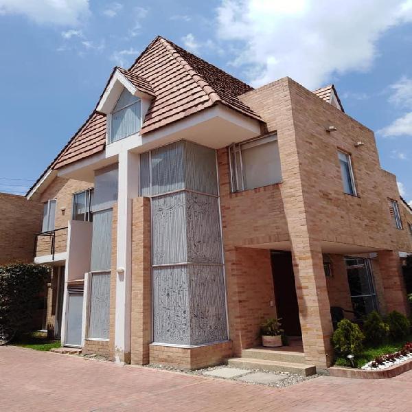 El_punto_de_la_permuta vende casa en chia hermosa 550