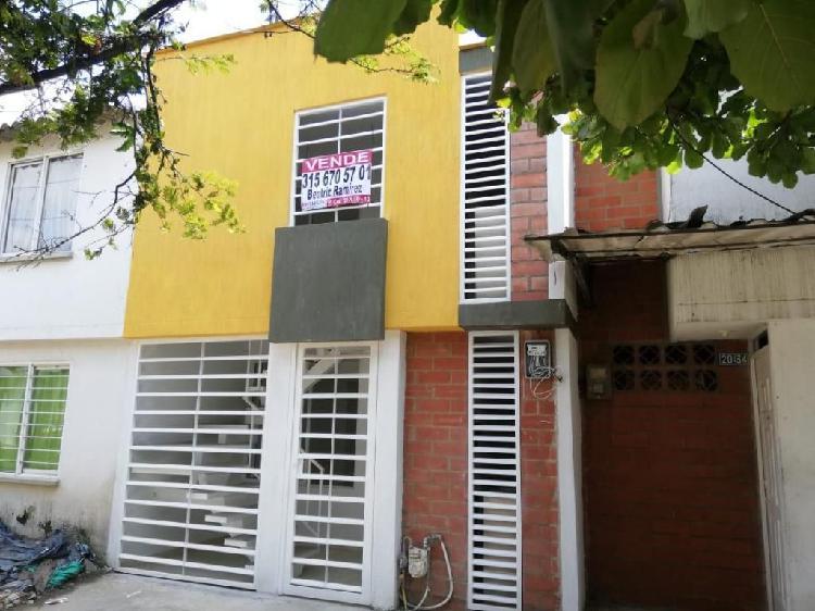 Se vende espectacular casa bifamiliar barrio terranova