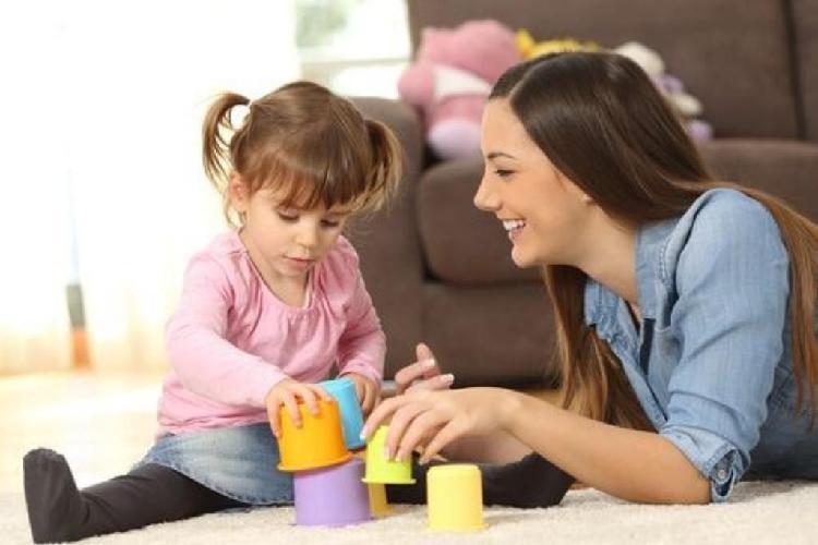 Cuidado de niños medio tiempo