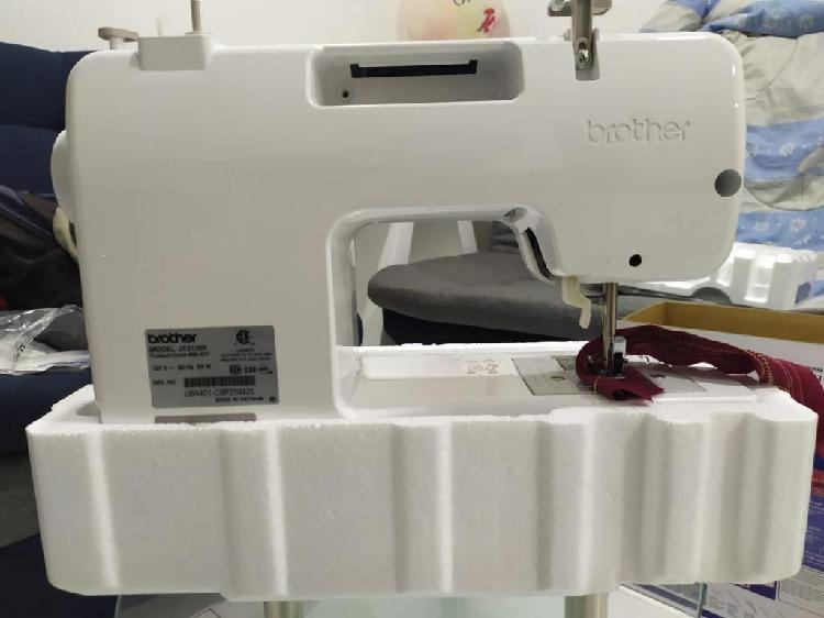 Maquina de coser brother jx3135f