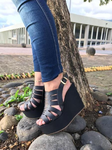 Oferta: hermosas sandalias con plataforma al por mayor y al