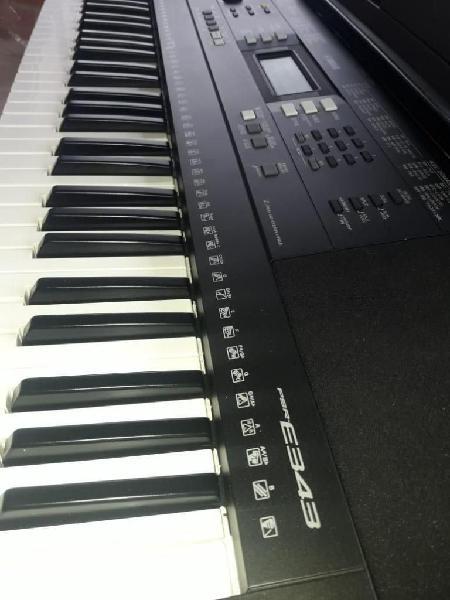 Piano yamaha en excelentes estado