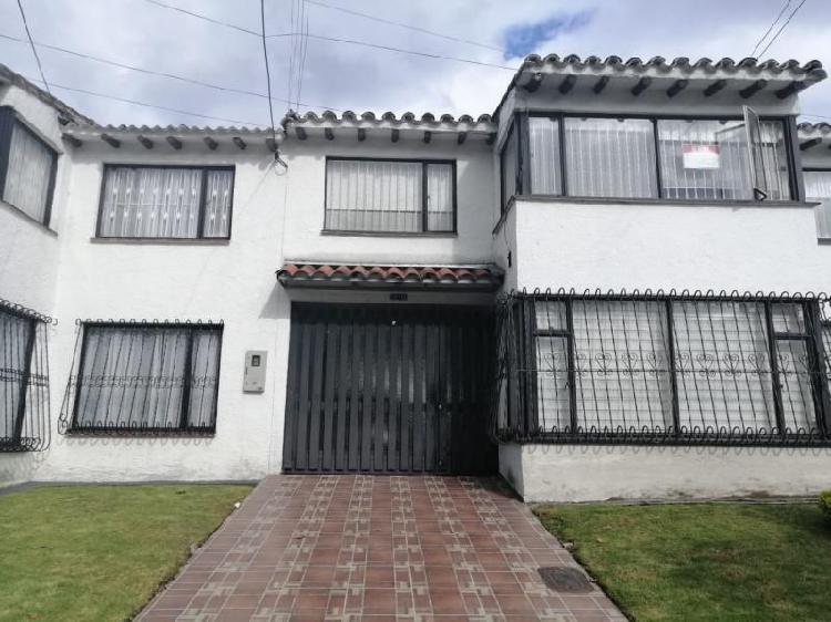 Casa en venta en bogota pontevedra cod. vbtli-1049